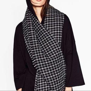 Zara black white checkered wool scarf
